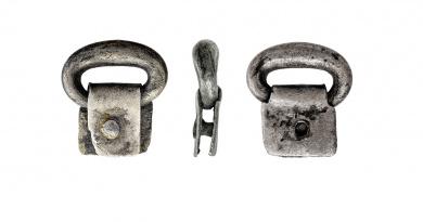 BERK95416E - silver strap fitting